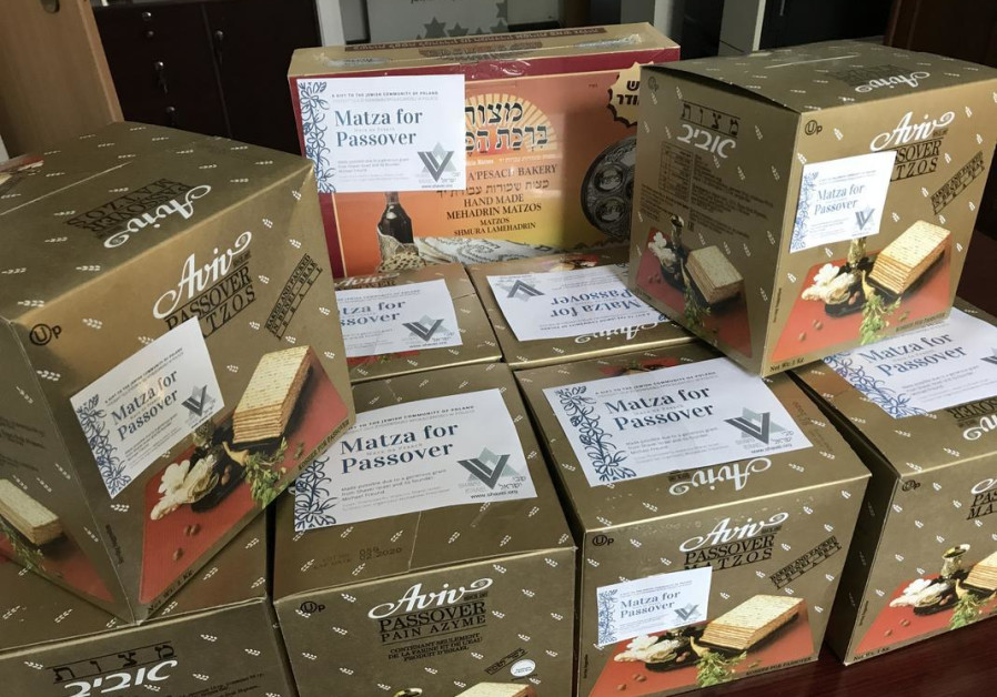 2,000 boxes of matzah delivered to the Jewish people of Poland