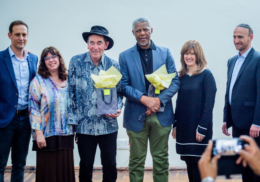South African communal leadership hosts Passover 'Freedom Seder'