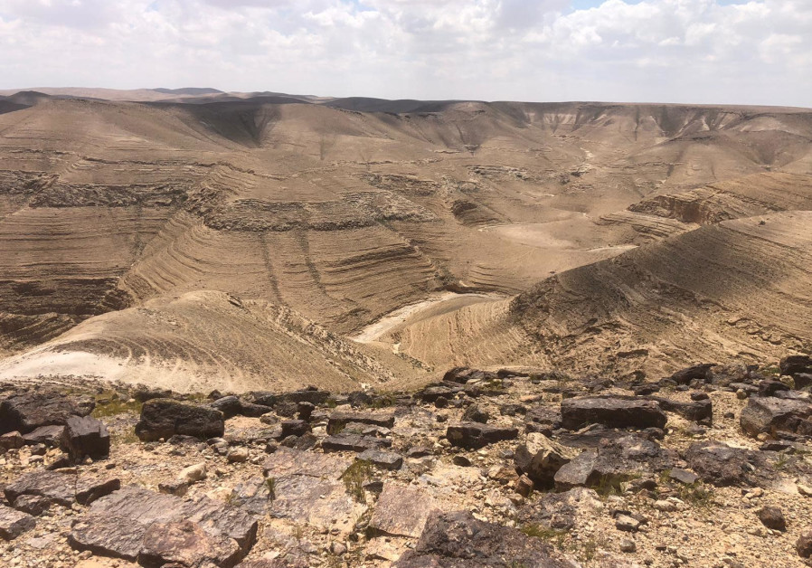 Six hikers who went missing in Negev, found and resuced