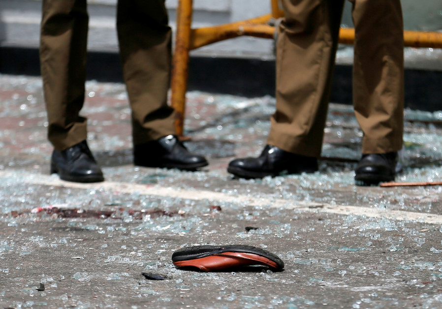 Foreigners detained as Sri Lanka searches for clues to Easter Sunday bombings