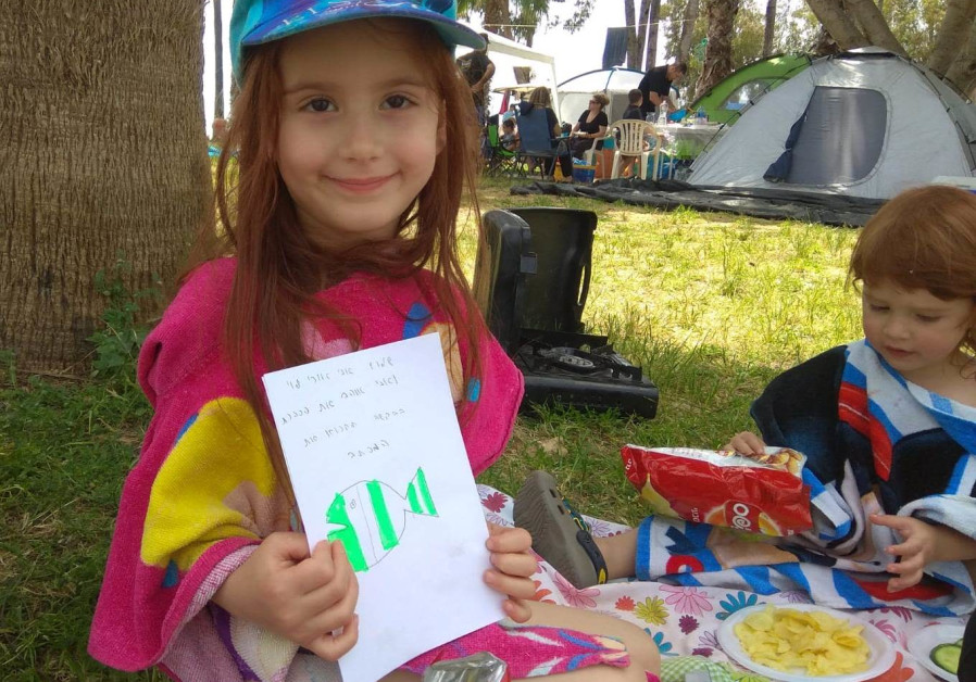 Schoolchildren move hikers with letters to keep site clean