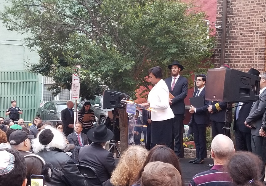 Vigil in Washington DC after California synagogue shooting
