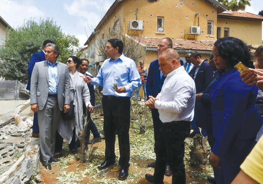 ISRAEL'S AMBASSADOR to the UN Danny Danon leads a delegation of UN ambassadors on a tour  of Ashkelo