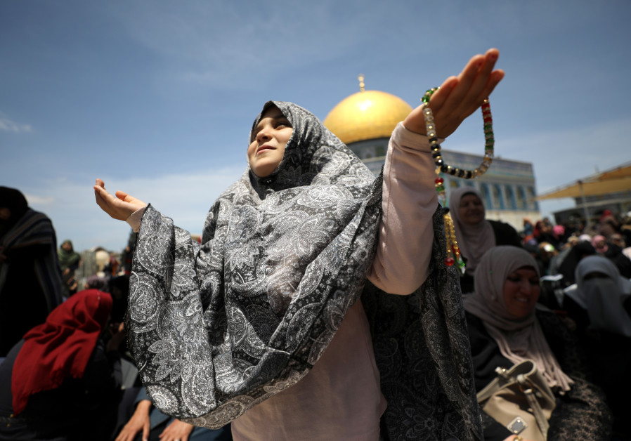 Police to decide on whether to let Jews on Temple Mount Sunday