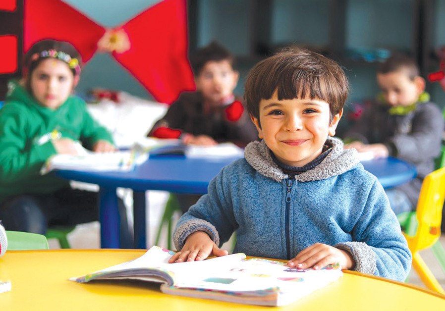 Arab world turns page on literacy