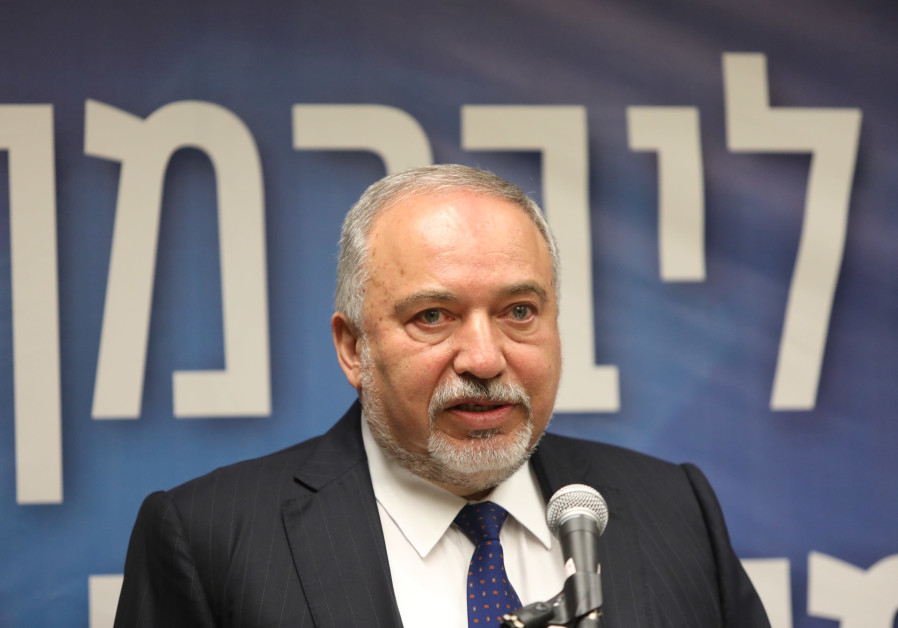 Liberman toning down in coalition talks, Lapid calls to go to opposition