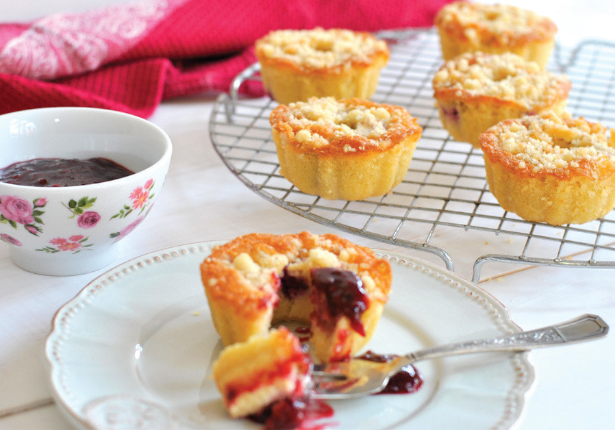 PASCALE'S KITCHEN: Easy cakes for Shabbat treats