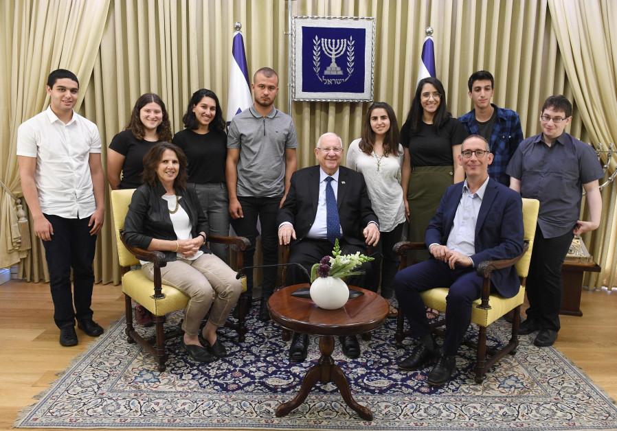President Rivlin with Van Leer Prize winners, 26 May 2019.