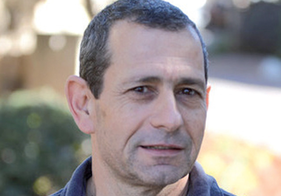 Shin Bet chief tries to get Abbas to take partial tax payments from Israel