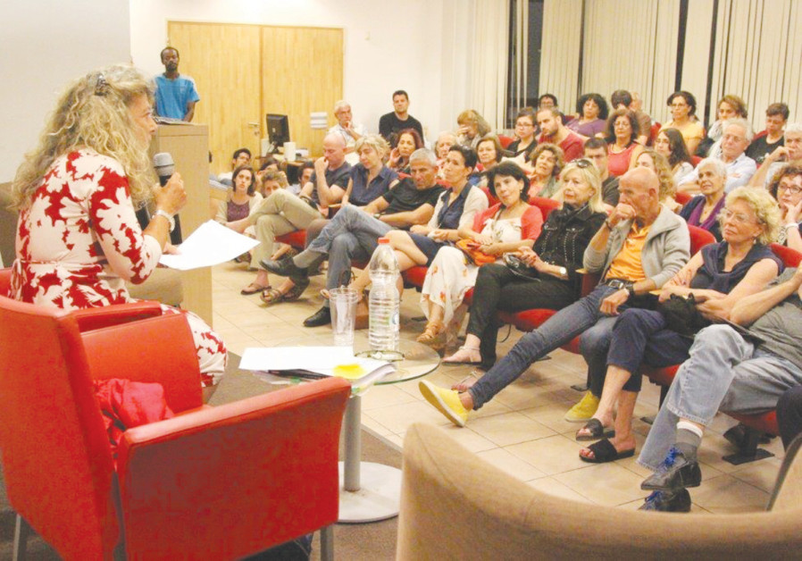 A RAPT AUDIENCE at the Tel Aviv Night of Philosophy.