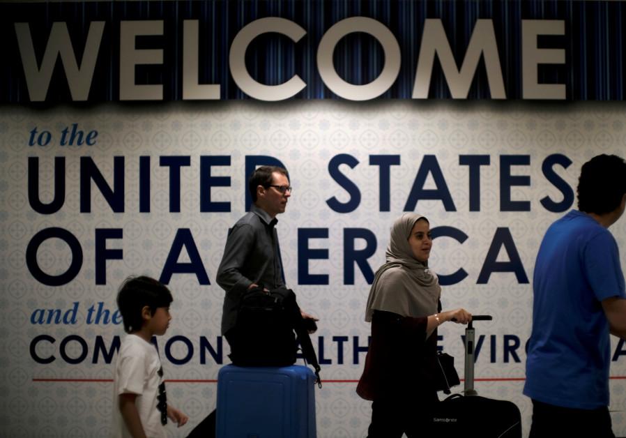 International passengers arrive at Washington Dulles International Airport