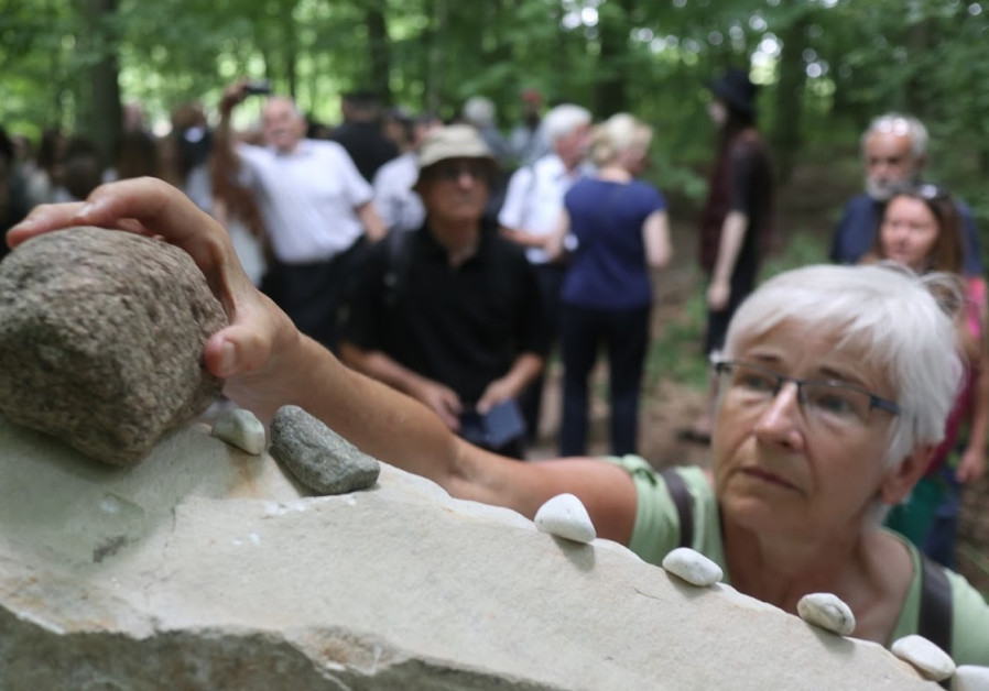 Poland honors Jewish leader working to recognize Holocaust rescuers