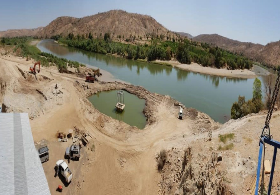 Construction of a water supply system from the Tekezé River, Ethiopia