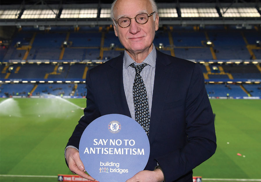 CHELSEA FC chairman Bruce Buck displays the logo of Chelsea's 'Say No to Antisemitism' campaign (Credit: CHELSEA FOOTBALL CLUB)
