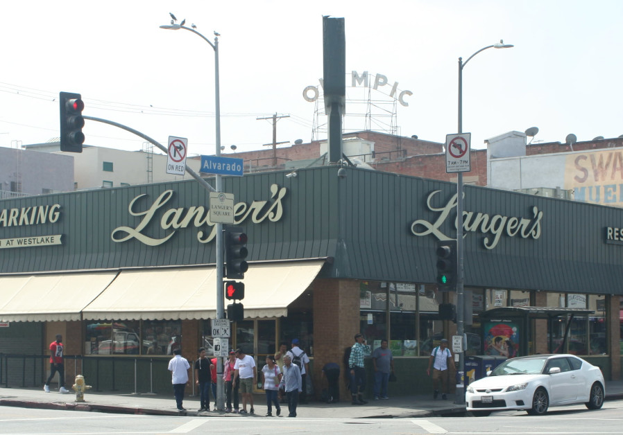 Langer's Deli in LA denies kicking out couple because they were gay