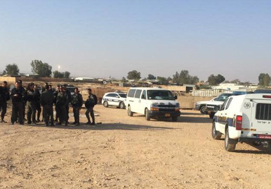 Violent clashes between police and residents of Bedouin village in Negev
