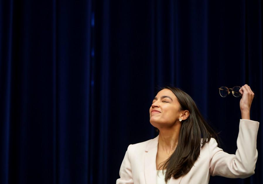 Holocaust survivor: Alexandria Ocasio-Cortez deserves award for stupidity