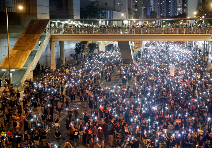 Hong Kong assembly in chaos