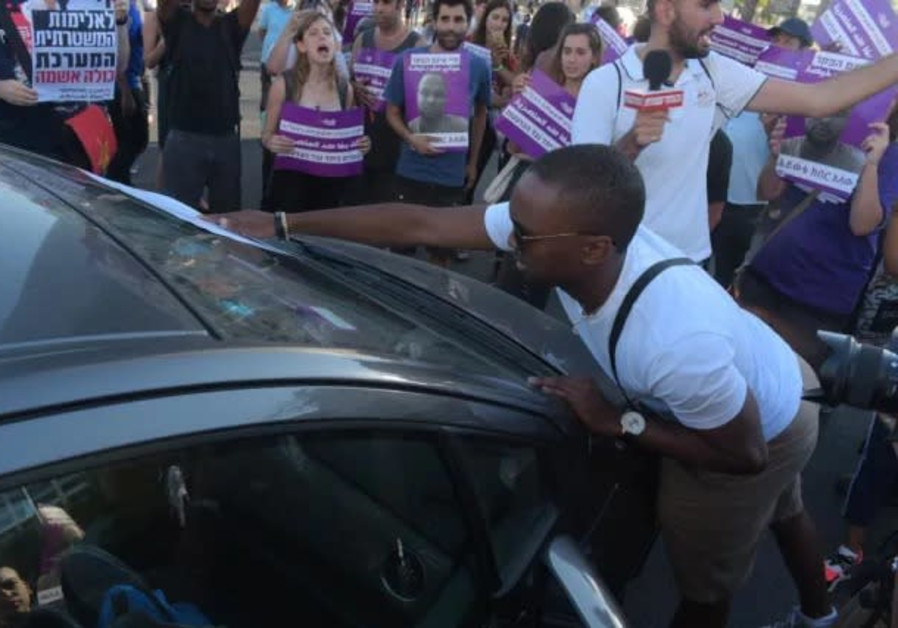 Protests at Azrieli Junction after off-duty police officer shoots and kills Ethiopian teen July 2019
