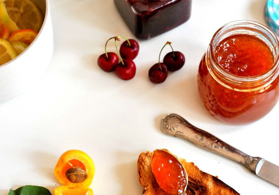 PASCALE's KITCHEN: Making jam with summer fruits