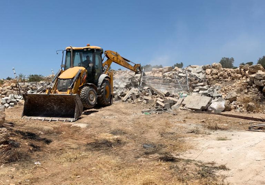 Hebron construction on archaeological site faces enforcement