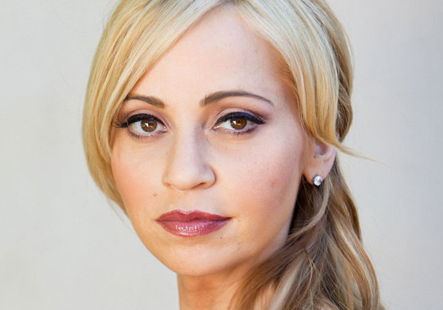 Jewish-American voice acting icon Tara Strong stands for immigration
