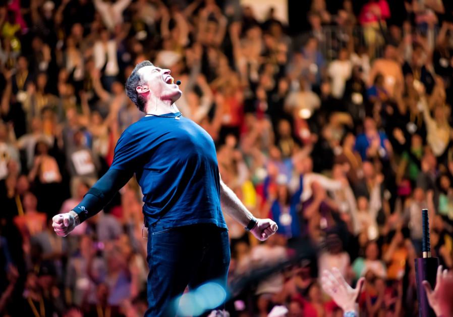 Business guru Tony Robbins to lecture in Israel