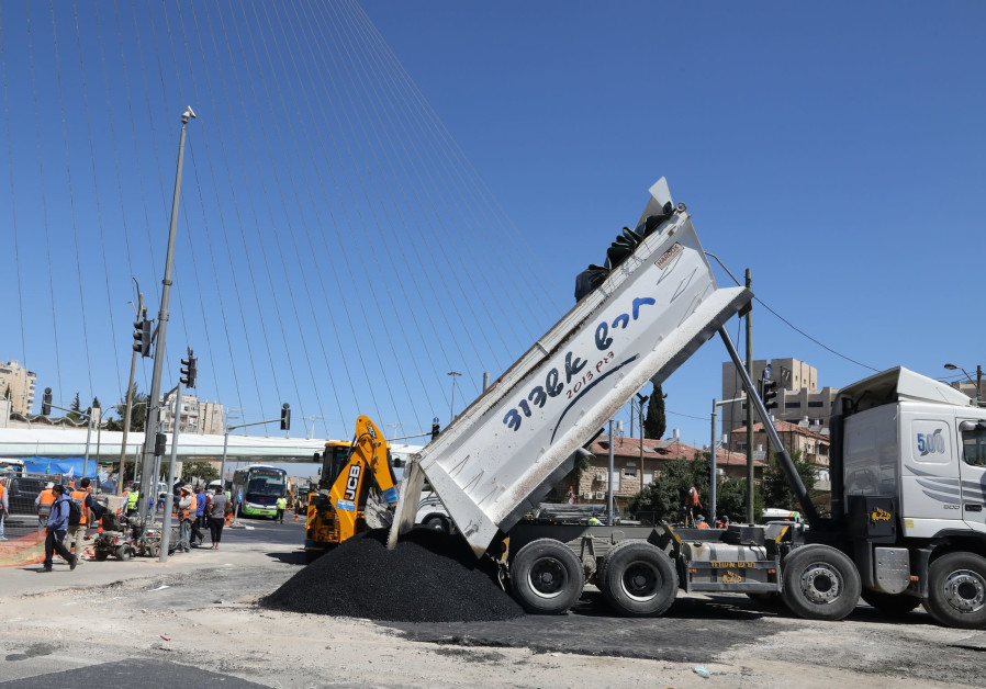 Construction work begins at the entrance to Jerusalem, which will last until 2022.