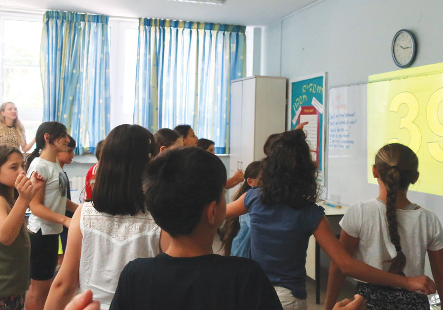 TALMA PUPILS practice counting to 100 with a dance. (Credit: SONIA EPSTEIN)