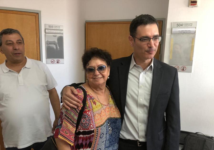 Israel Nurses Union chairwoman Ilana Cohen with Health Ministry director-general Moshe Bar-Siman-Tov