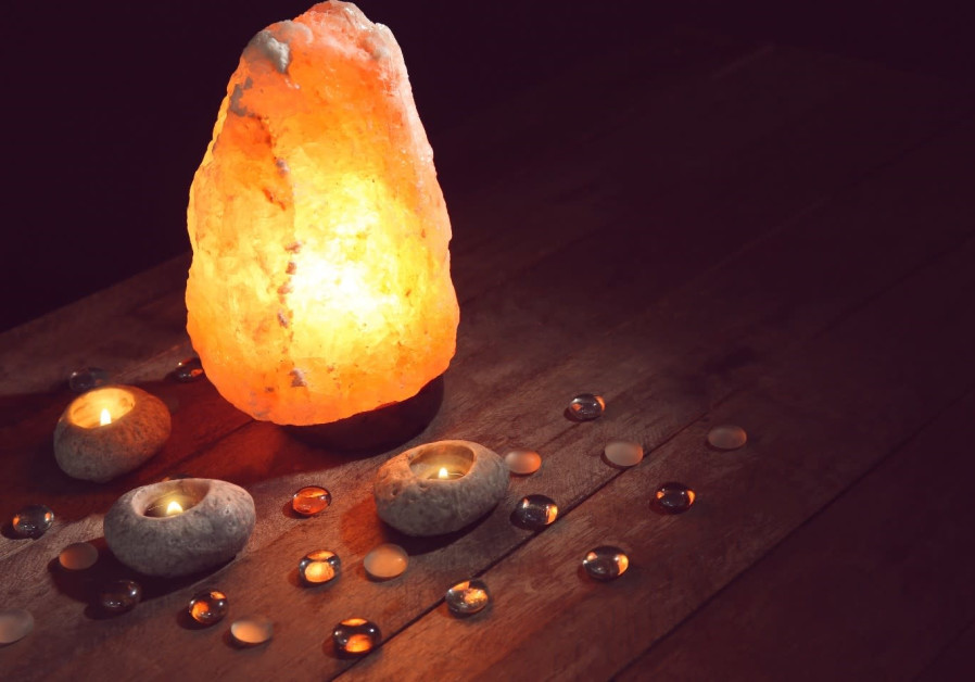 Himalayan Salt Lamps Actually Work – 10 Health Benefits You Should Know About