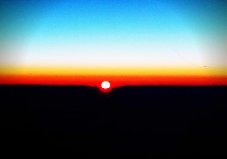 Sunrise over Greenland (Credit: Tomer Zadok)