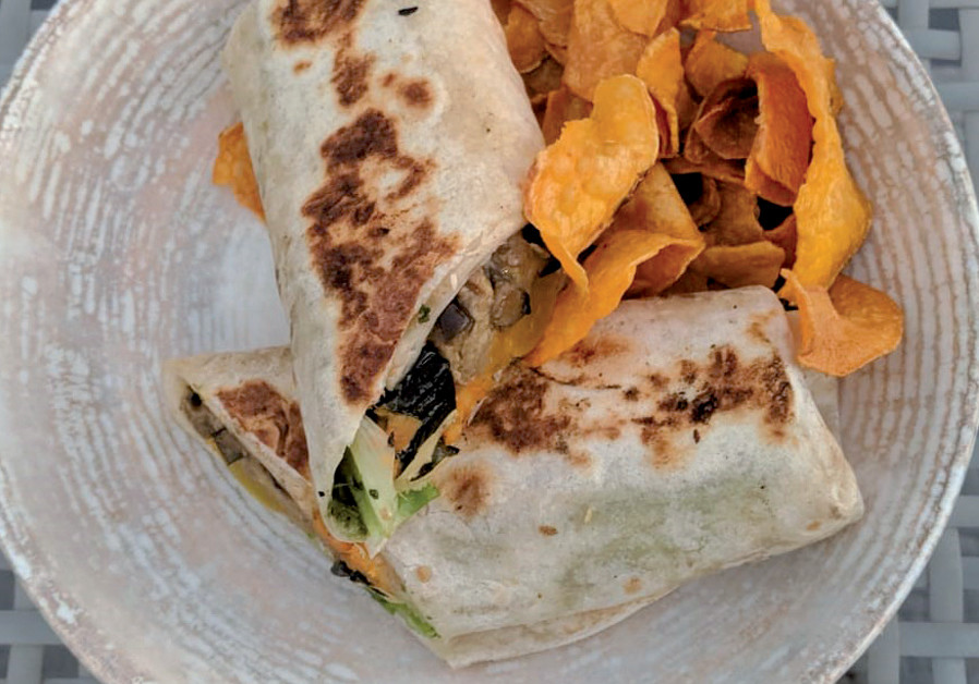 The vegetarian tortilla, served with sweet potato (Credit: DAVID DIMOLFETTA)