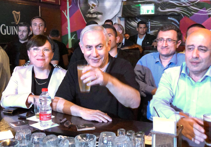 Prime Minister Benjamin Netanyahu meets with Russian-speaking immigrants to Israel in a Rishon Lezio