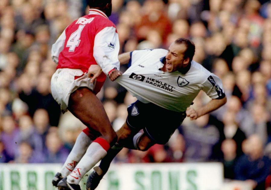 Arsenal's Patrick Vieira (L) fouls Tottenham Hotspurs Ronny Rosenthal (R) during their premiership m