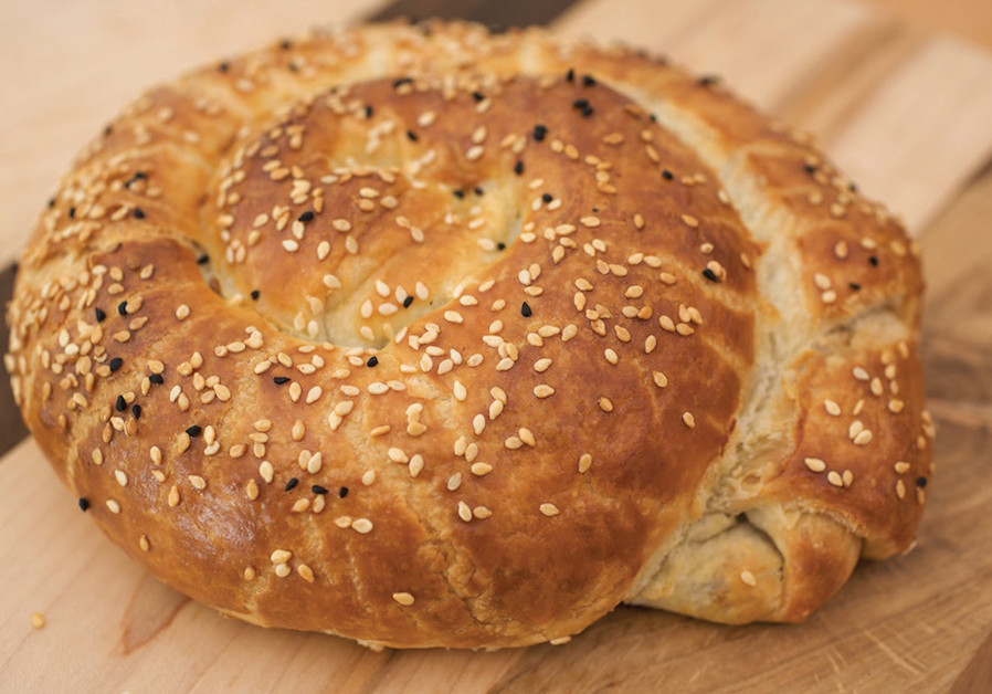 FILO DOUGH SNAIL WITH CHEESE AND SPINACH (Credit: PASCALE PEREZ-RUBIN)
