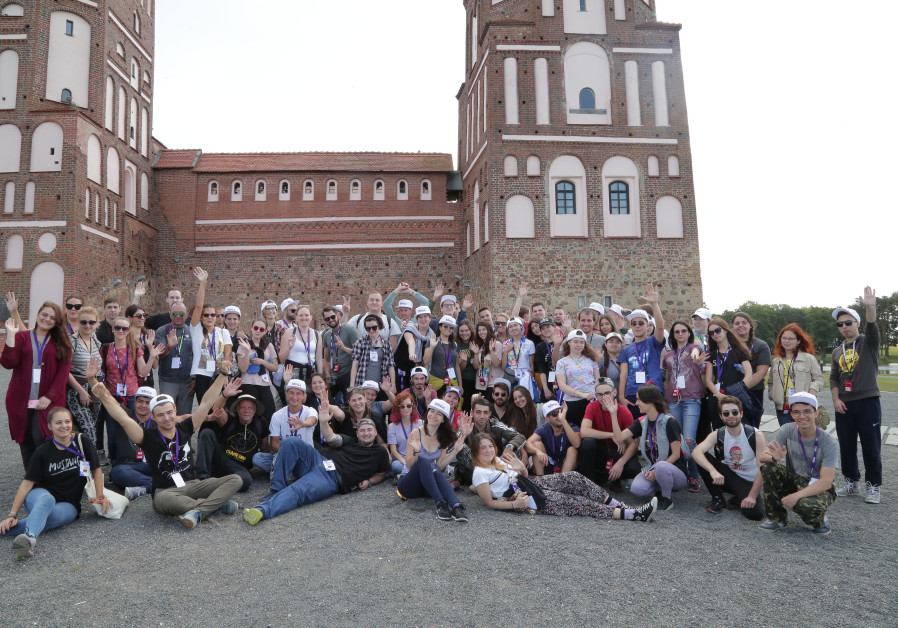 Project MEGA students engage hands, head, feet in Belarus