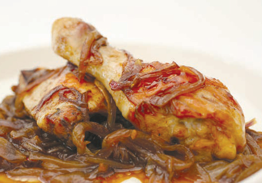 WHOLE CHICKEN LEGS WITH RED ONION AND DATE HONEY (Credit: PASCALE PEREZ-RUBIN)