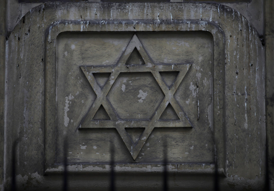 Historic synagogue overrun by squatters returned to Buenos Aires Jews