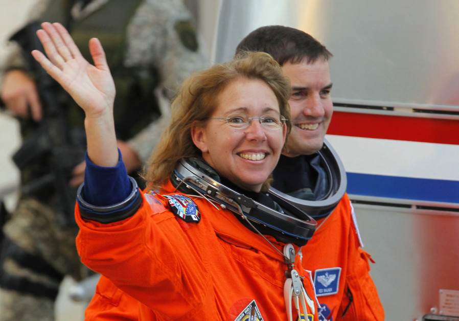 Mission Specialist Sandra Magnus (L) and Mission Specialist Rex Waldheim of the Space Shuttle Atlant