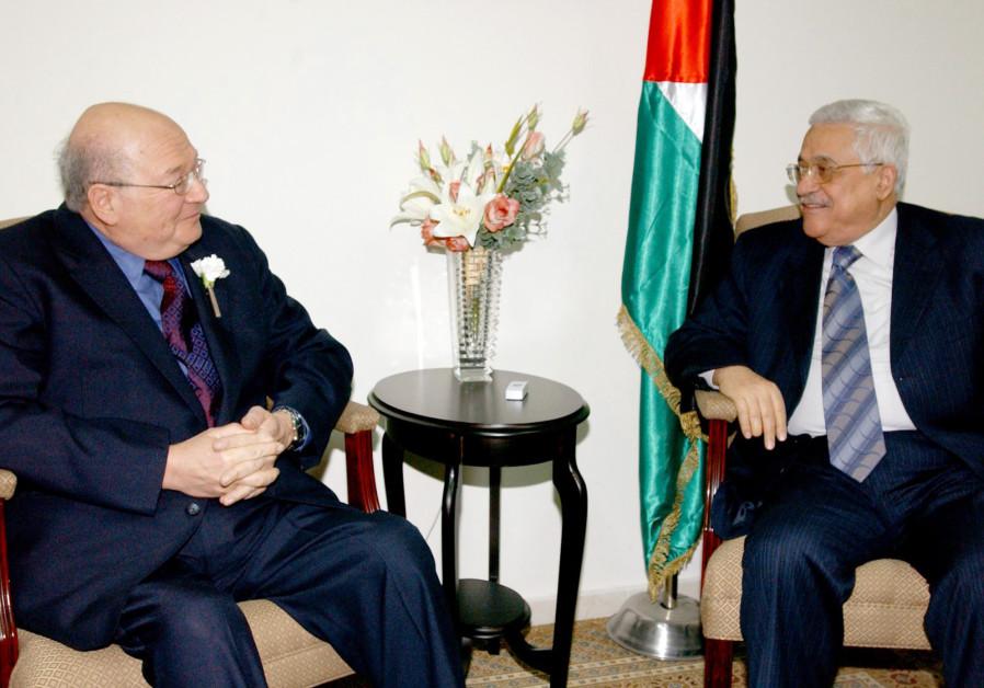 Palestinian President Mahmoud Abbas (R) meets U.S. Rep. Gary Ackerman (D-NY) in the West Bank city o