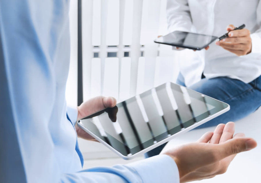 Why choose a tablet over a laptop to manage your business