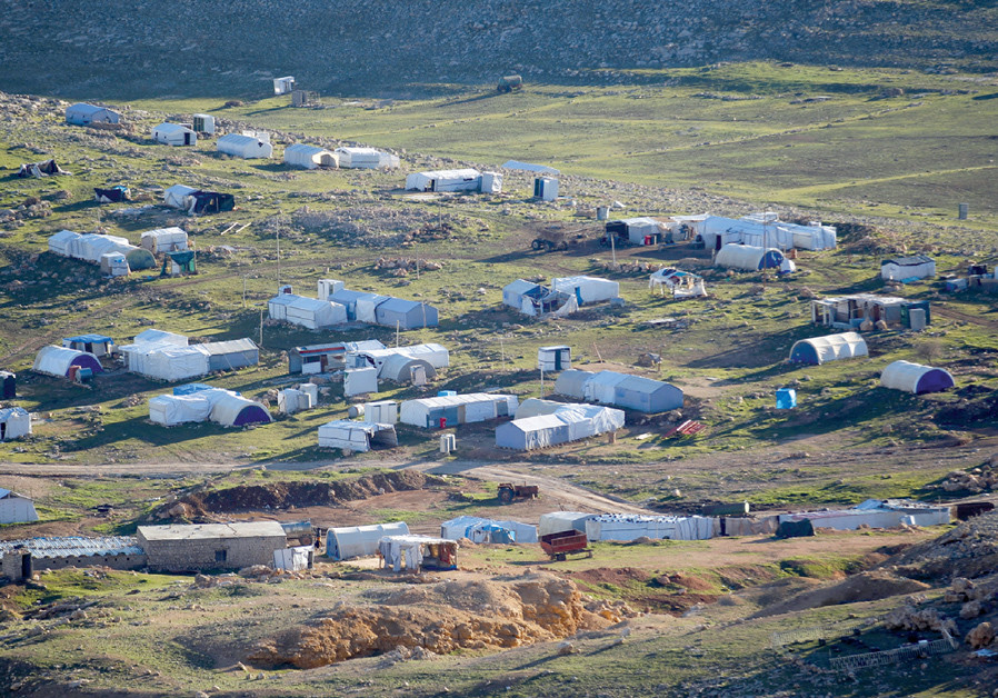 A general view of the Yazidi refugee camp on Mount Sinjar (Credit: KHALID AL MOUSILY / REUTERS)