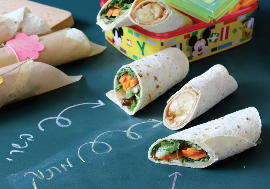 TORTILLA WRAP WITH HUMUS AND VEGETABLES (Credit: PASCALE PEREZ-RUBIN AND NETA LIVNEH)