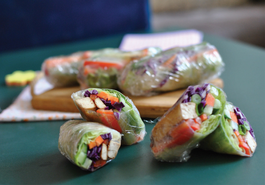 SPRING ROLL WITH BAKED TOFU (Credit: PASCALE PEREZ-RUBIN AND NETA LIVNEH)
