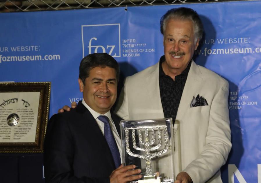 Honduras president receives 'Friends of Zion Award'