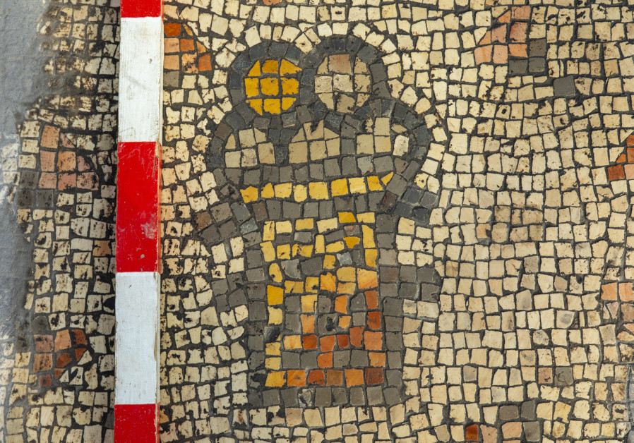 Israeli researchers find mosaic with Christian miracle scenes in Hippos