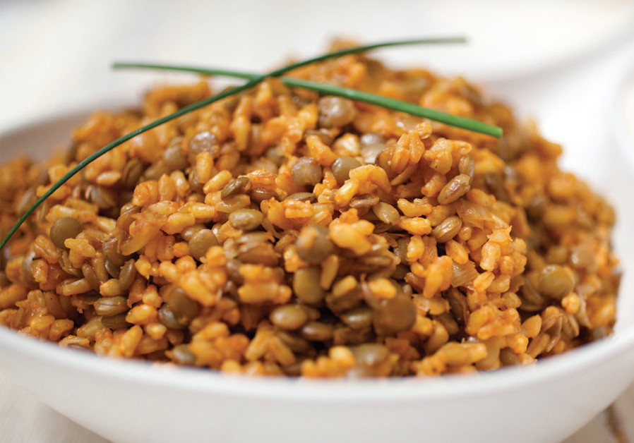 SPICY WHEAT AND LENTILS (Credit: PASCALE PERETZ-RUBIN AND DROR KATZ