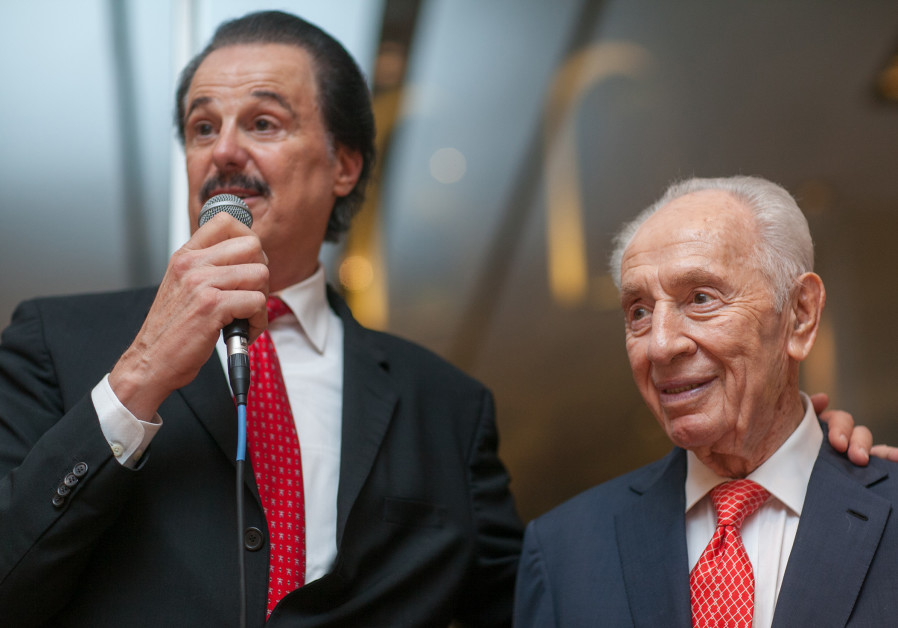 Mike Evans and Shimon Peres