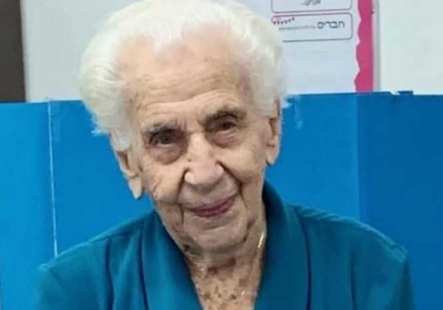 103 year-old Auschwitz survivor Viola Torok casts vote in elections